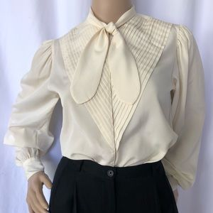 VINTAGE   Pleated front blouse with petal tie neck